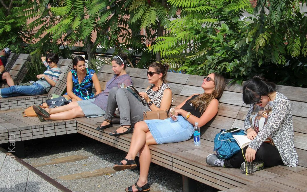 Women on NYC High Line